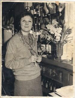 Anna Henderson, daughter of Gerald & Joan Weegenaar