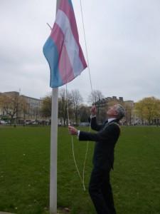 TransFlag_raising2
